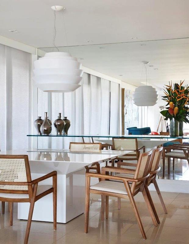Espelho na Sala de Jantar Casa Casada -> Decoração De Sala De Jantar Pequena Com Espelho