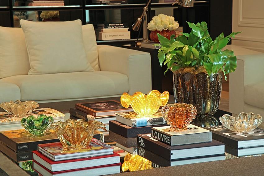 muranos e livros, christina hamoui,mesa de centro, casa casada
