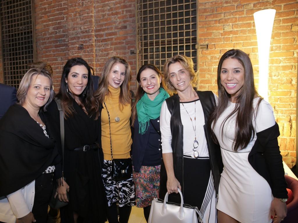 Equipe Sindmóveis bento Gonçalves com Mariana Amaral, Francesca Alzati da By Kamy e Paola Oliveira
