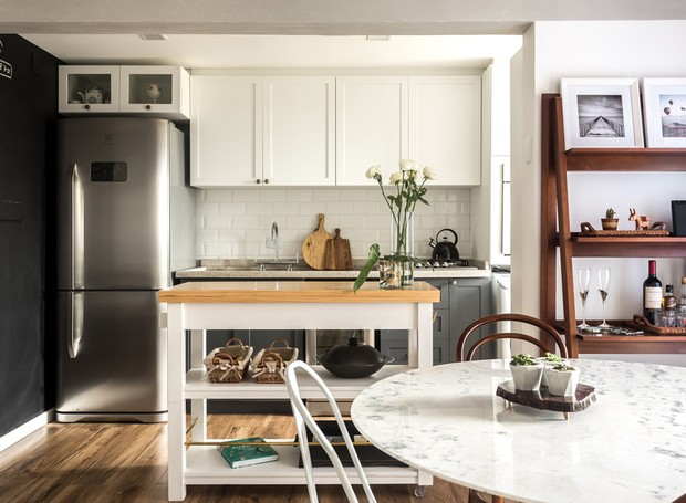 apartamento-escandinavo-studio-boscardin-corsi-cozinha-ilha-sala-de-jantar