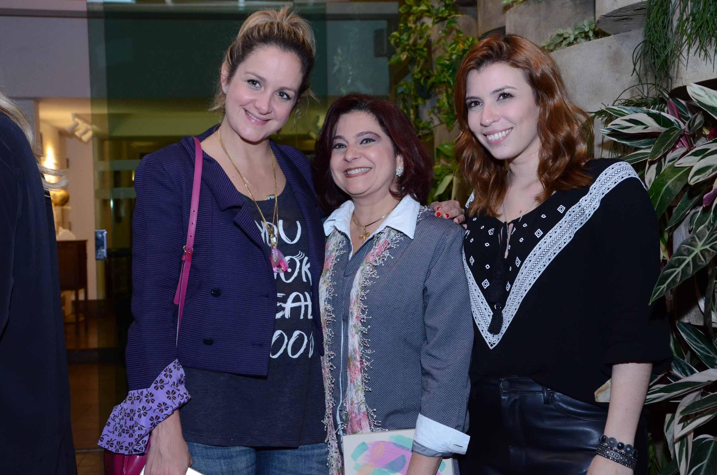 Ale com Fernanda Julião e Thais Cabbas