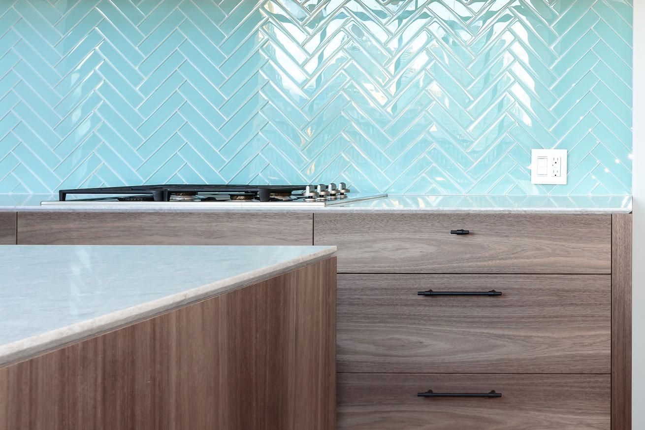 cozinha-escama-de-peixe-azul-turquesa