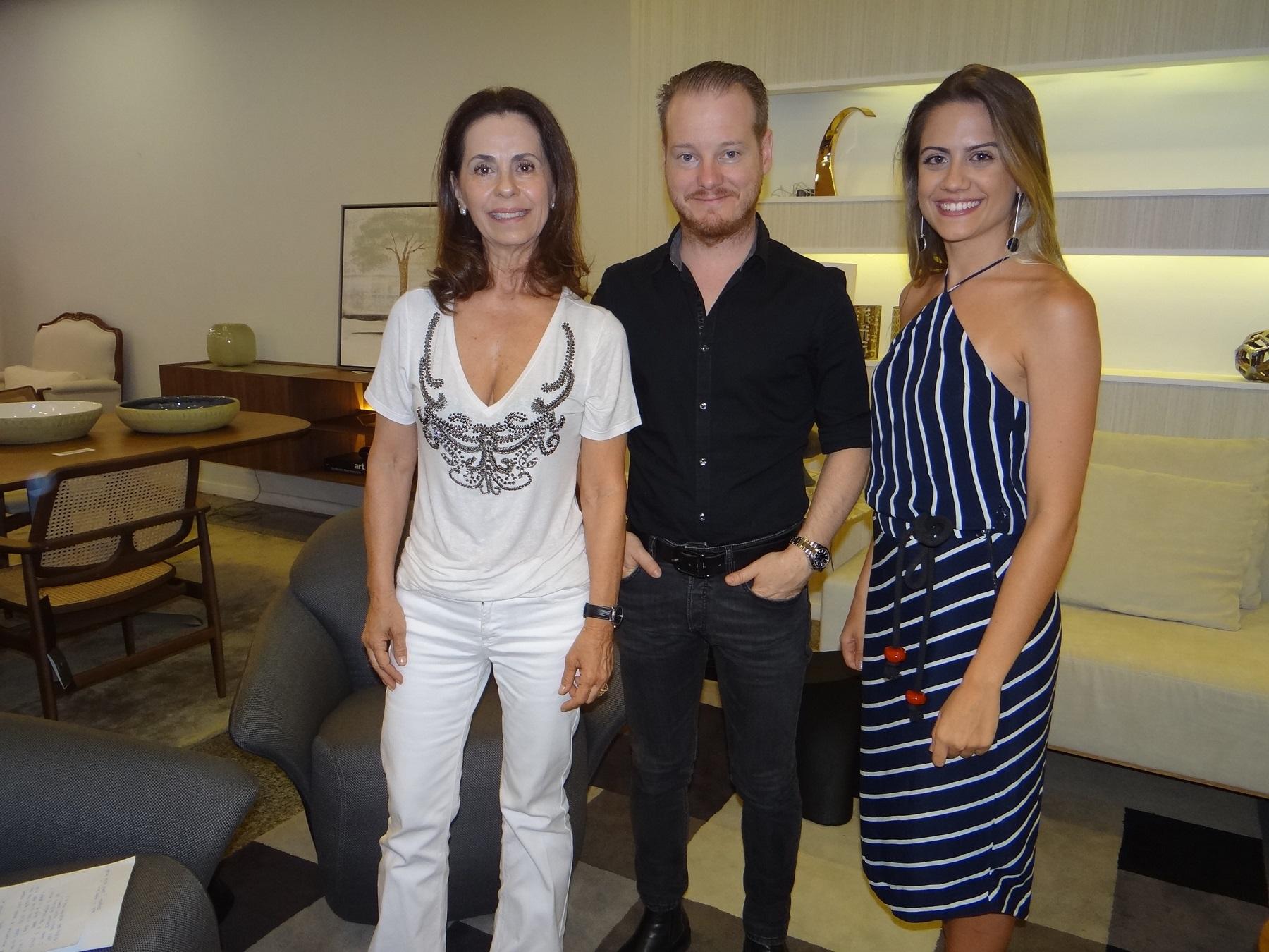 Cristina Santos, Jader Almeida e Isadora Ferreira